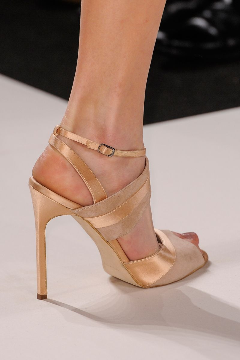 Carolina Herrera Fall 2013 RTW Details Vogue | Sapatos