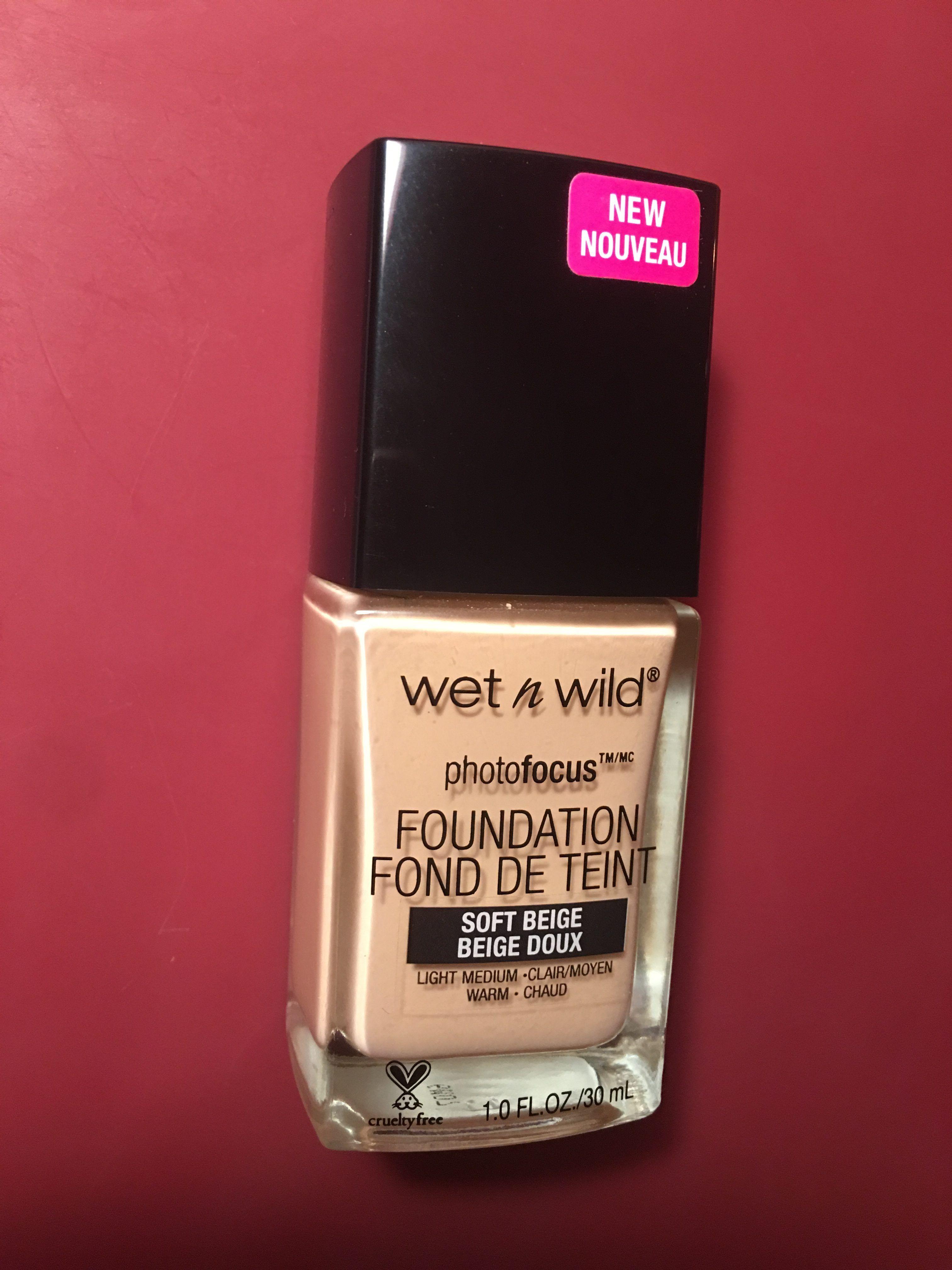 Review Wet n' Wild PhotoFocus Foundation Wet, wild