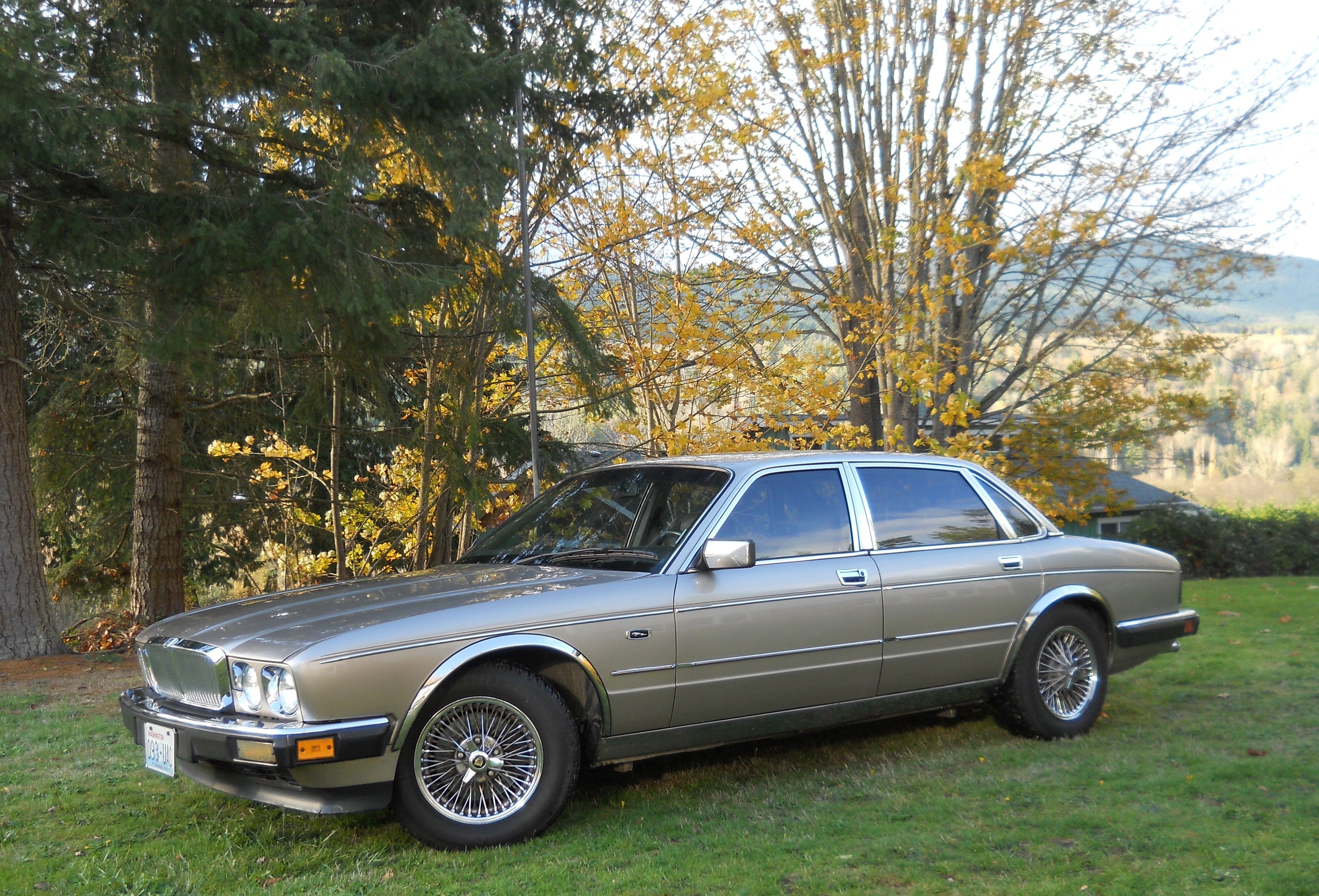 Take A Look About 1990 Jaguar Xj6