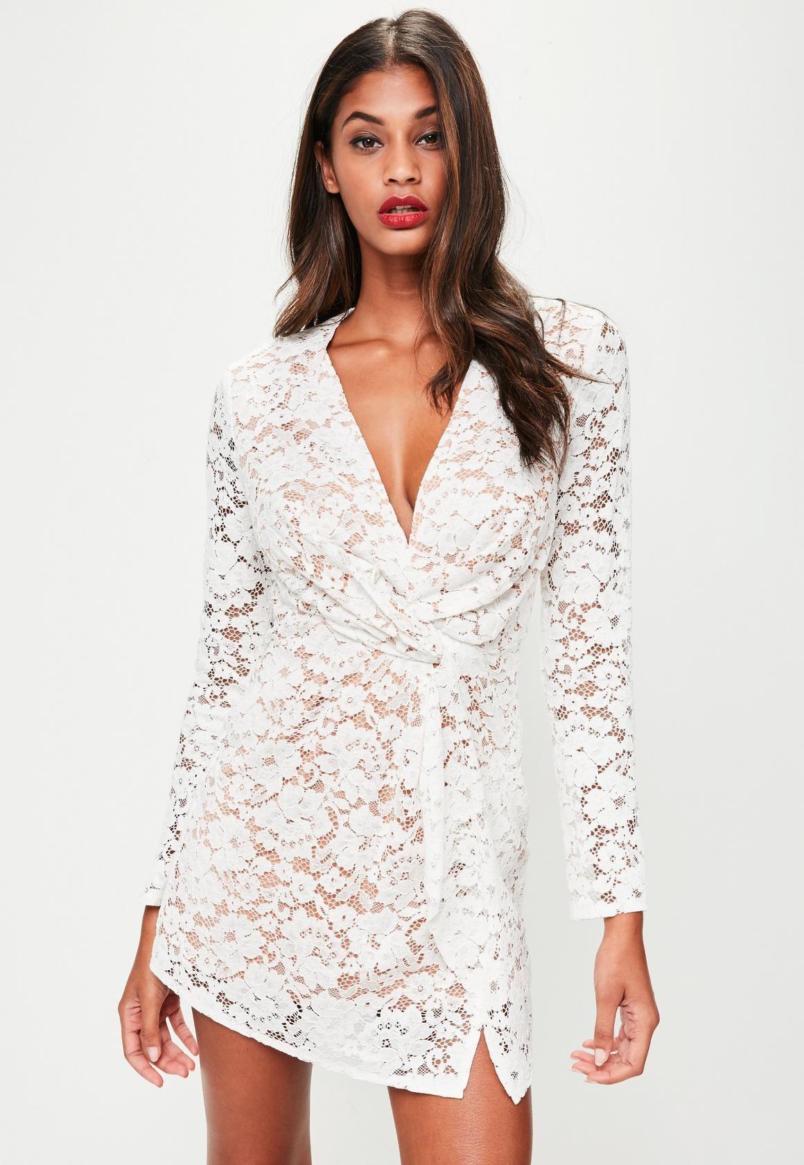 81cd9b3b418 Missguided - Robe blanche décolletée et drapée en dentelle