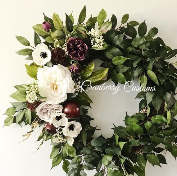 Photo of Modern wreath. Stylish wreath. Stylish decor. Elegant wreath. Luxury wreath. Premium wreath. Rose wr