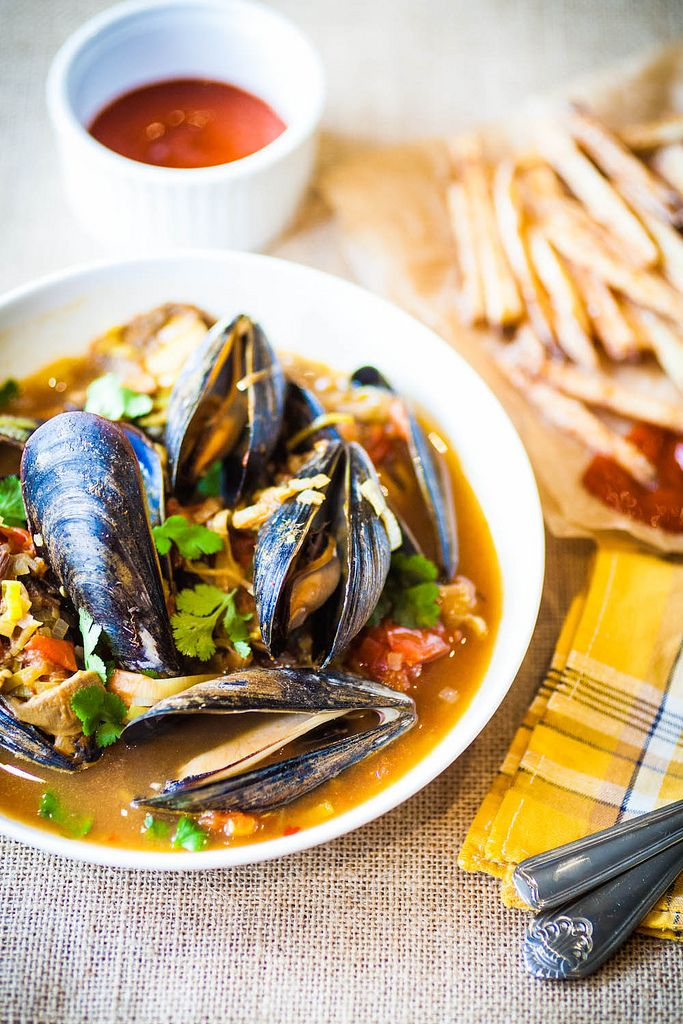 Steamed Mussels with Mushrooms & Tomatoes - The Crepes of Wrath