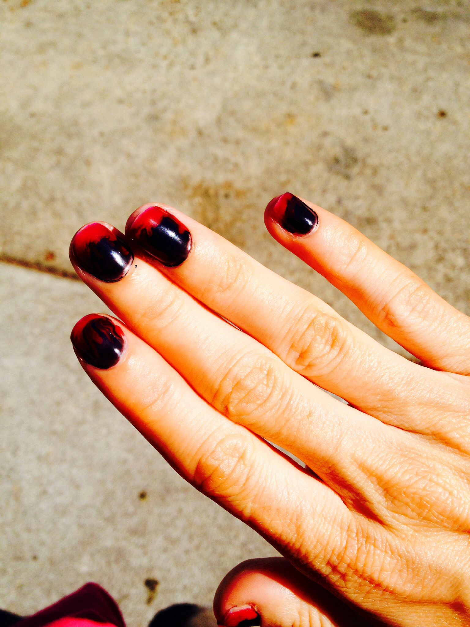 Easy Vampire DIY Halloween Nails Gothic nails Paint black