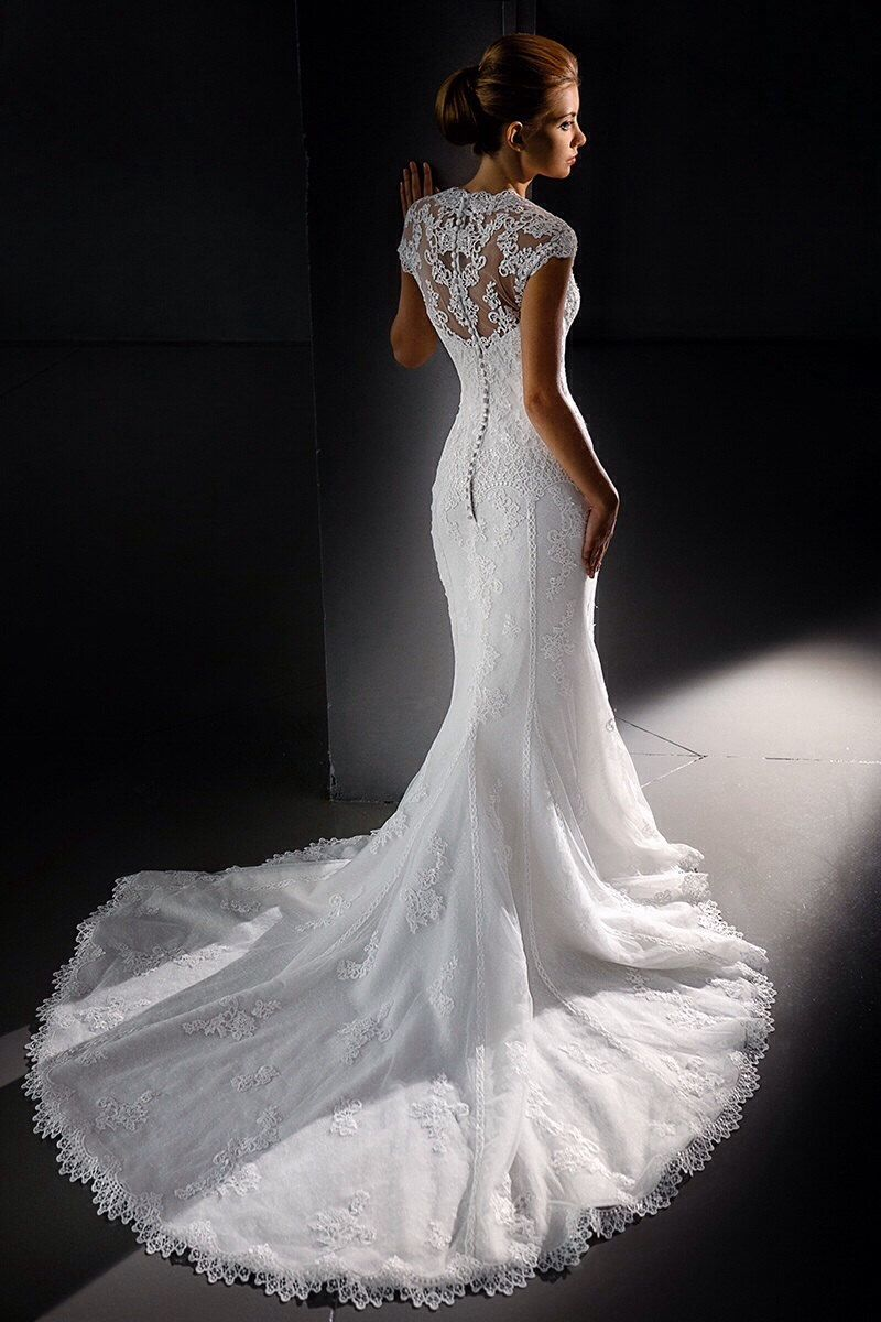 Lace wedding dress short sleeve wedding dress mermaid for Trumpet mermaid wedding dress with sleeves