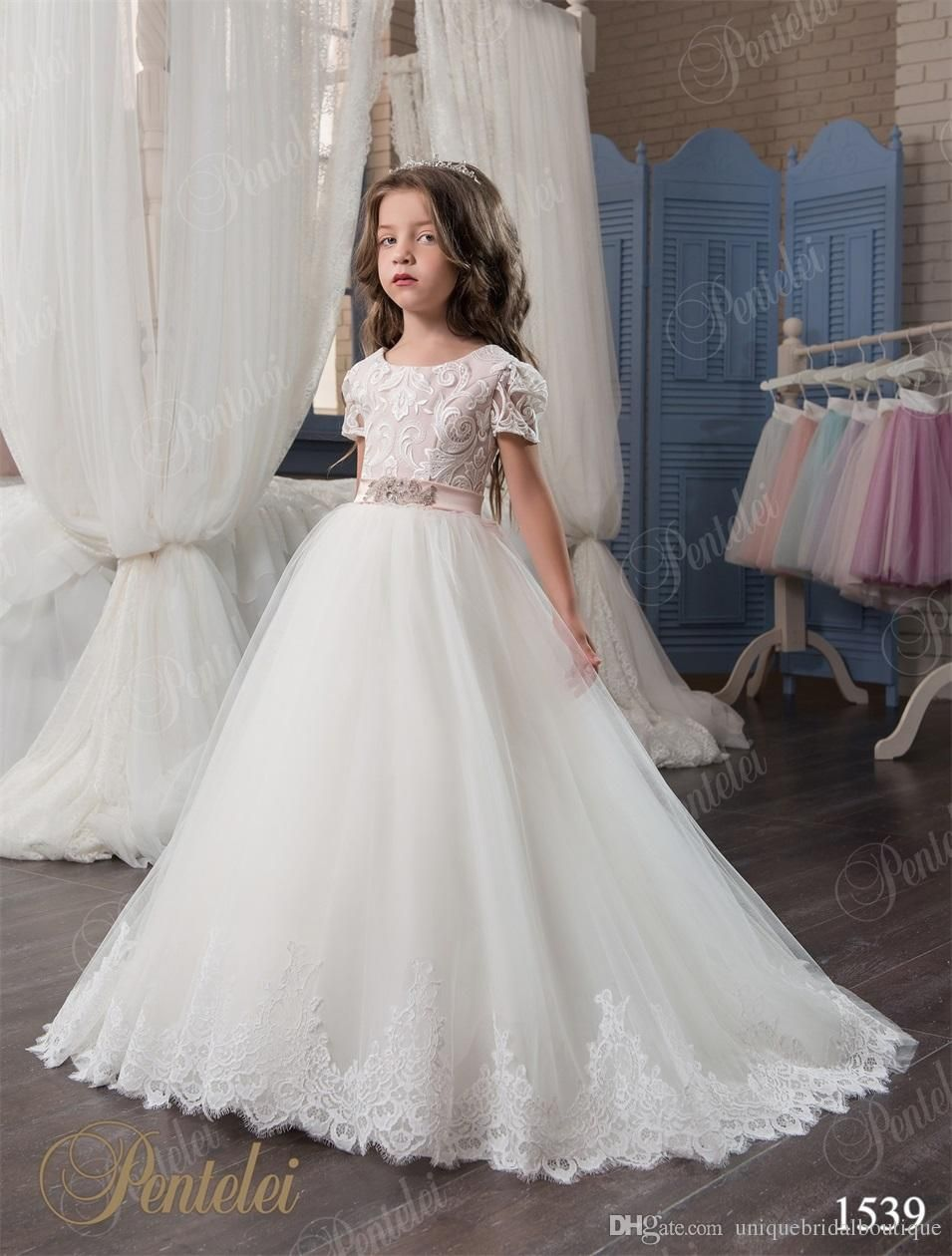 Girls formal dresses cheap pentelei with short sleeves and lace