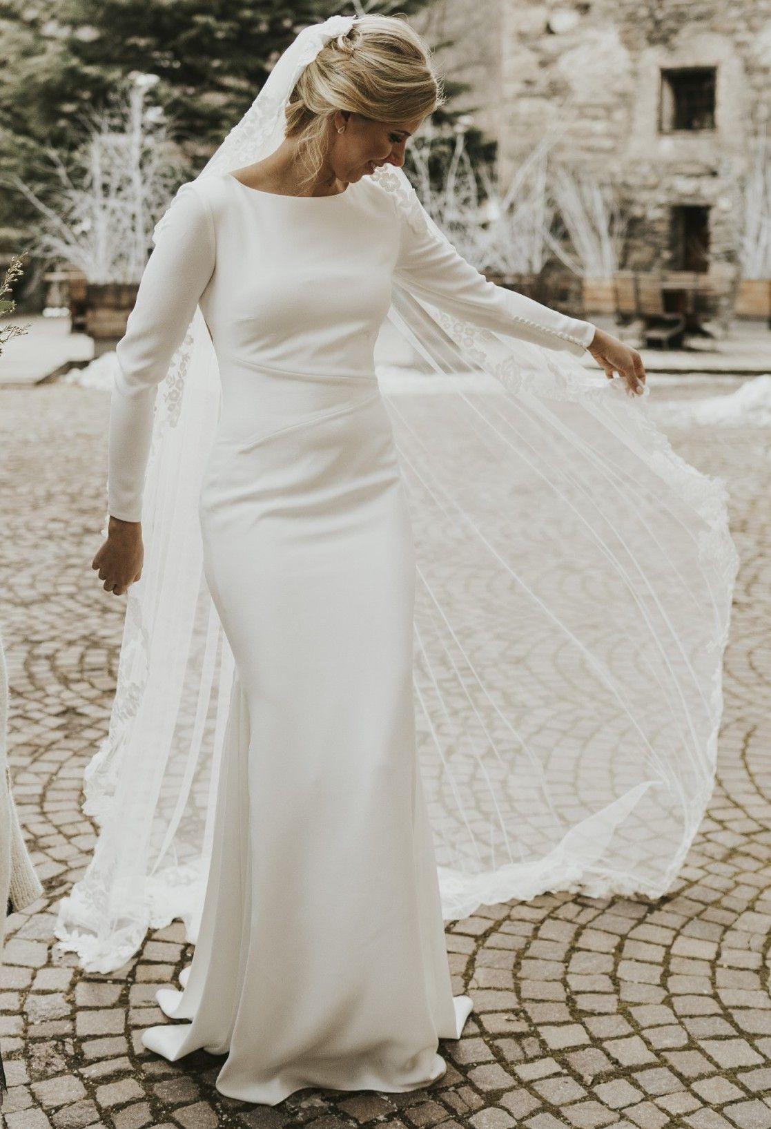 Pronovias Valeria Used Wedding Dress Save 77 Dresses Wedding Dresses Conservative Wedding Dress [ 1635 x 1117 Pixel ]