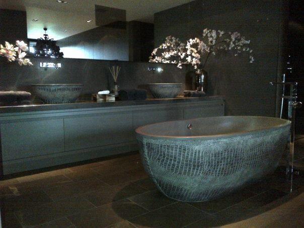 Croc printed bathtub by Eric Kuster | Interior | Pinterest ...
