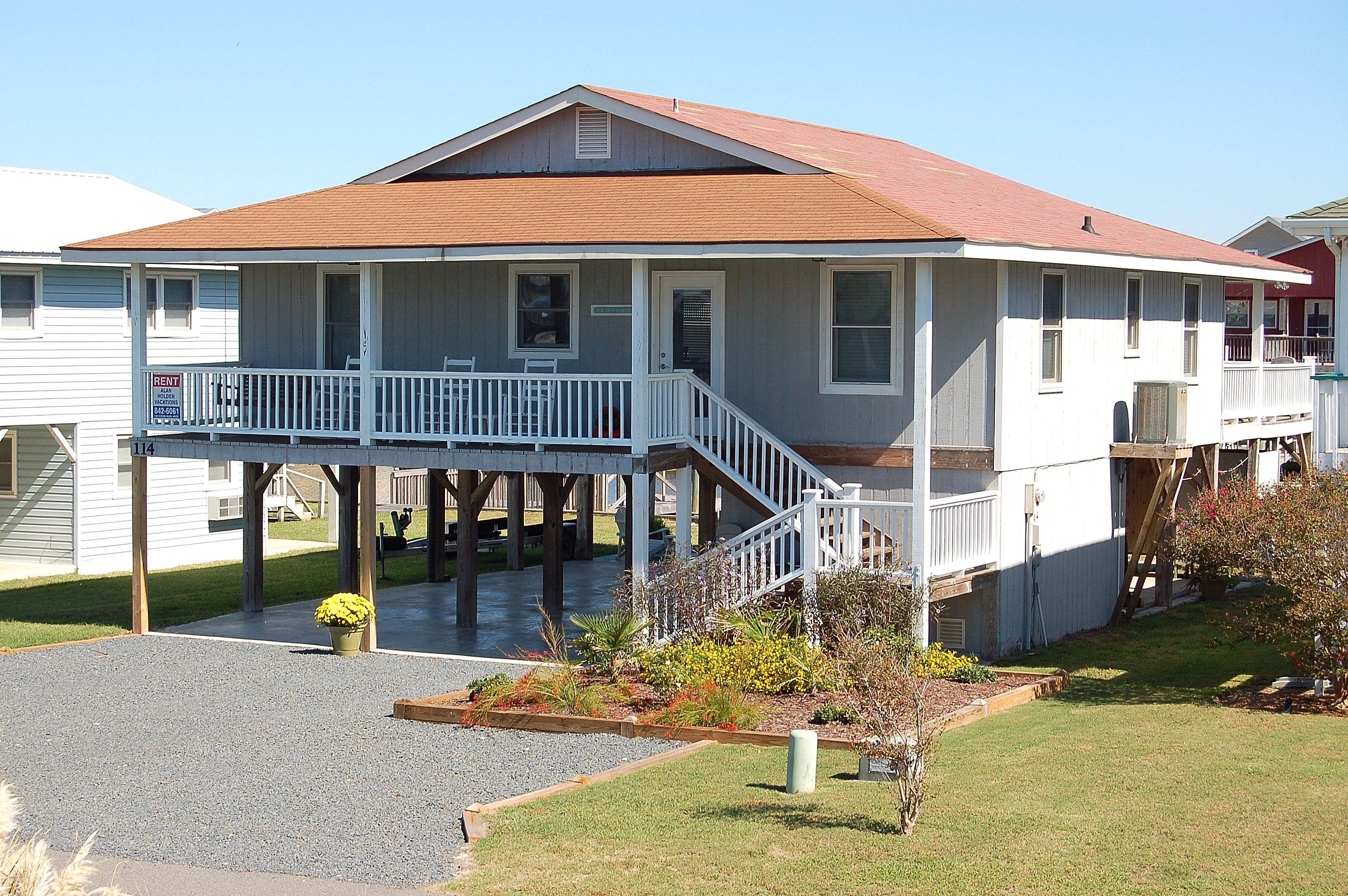 Beach house in 2020 beach house vacation home holden