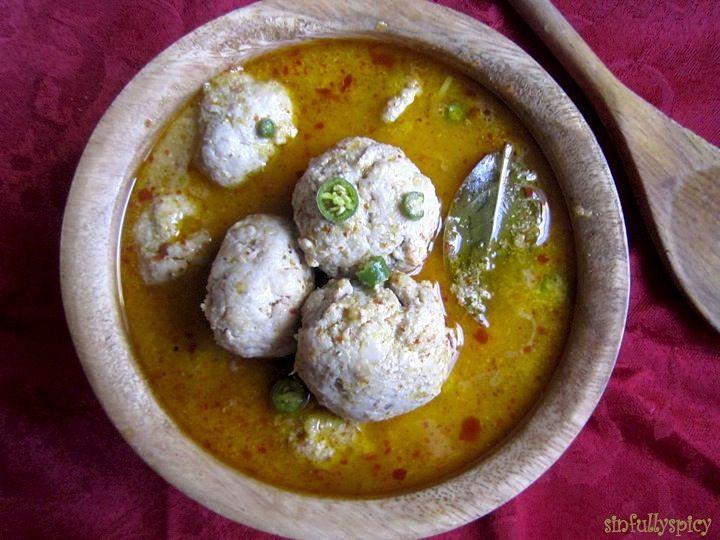 Healthy Recipe:Chicken Kofte/Chicken Balls in Yogurt Gravy