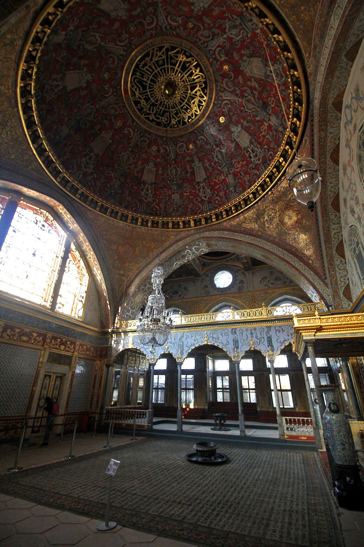On Sultans Concubines And An 86 Carat Diamond At Topkapi Palace In Istanbul Turkey Seyahat Istanbul Sehir