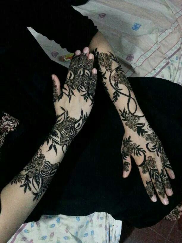 Khaleeji Henna Designs: United Arab Emirates. #khaleeji