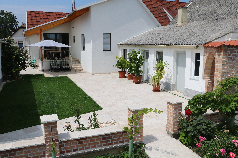 Kreative Terrassengestaltung Terrassen Wege Einfahrten Von Hausler In Ganz Osterreich Gartengestaltung Terrassengestaltung Gartengestaltung Terrasse