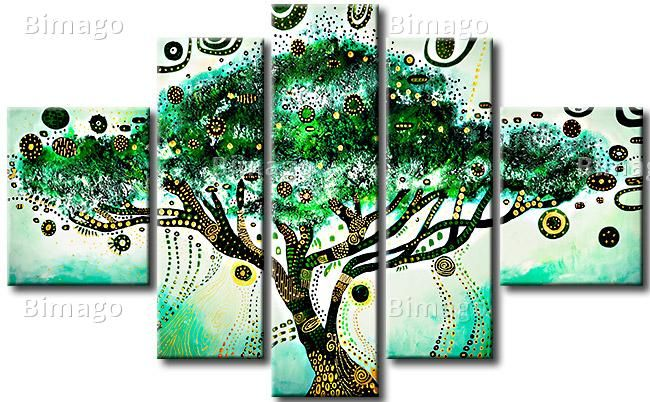 Árbol verde- una ideal decoración de salón