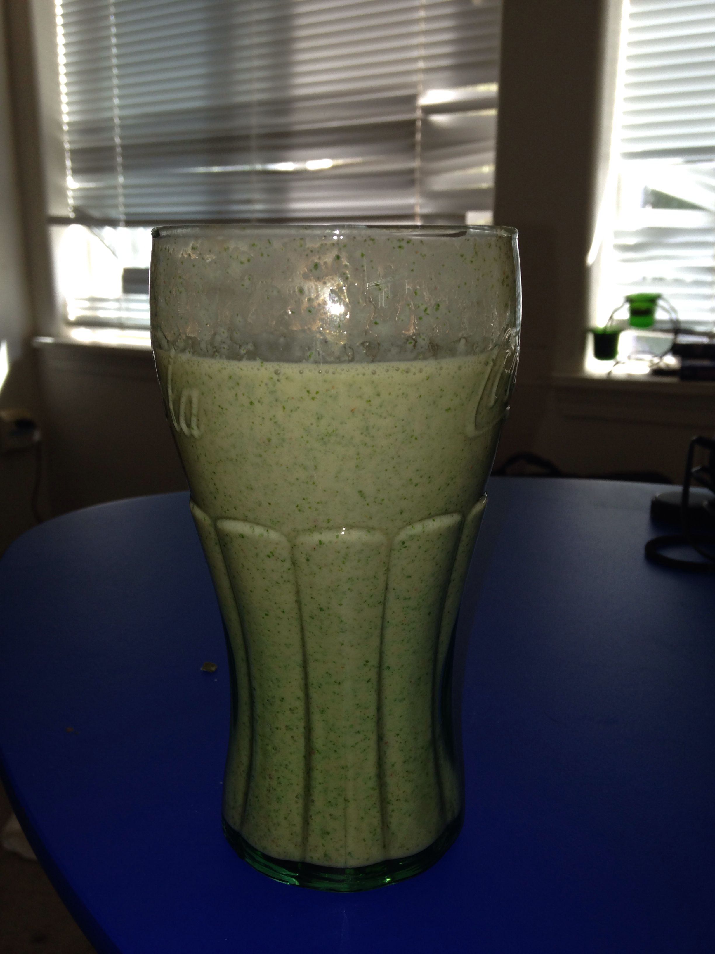 1 cup chopped kale, 1 cup fresh strawberries, and 1 cup plain yogurt.