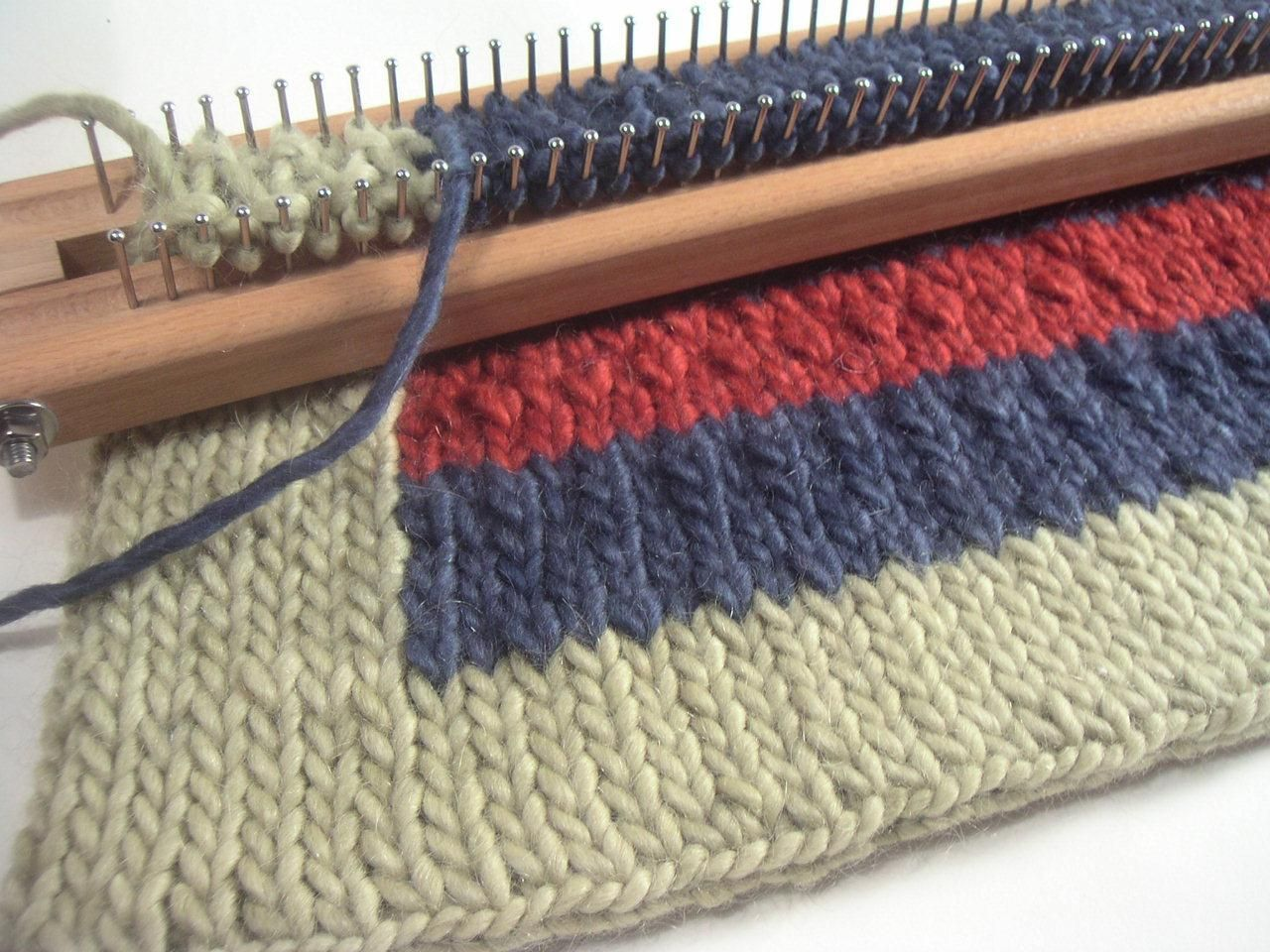 Knit A Cool Rug On A Loom Board This Is Using The 28