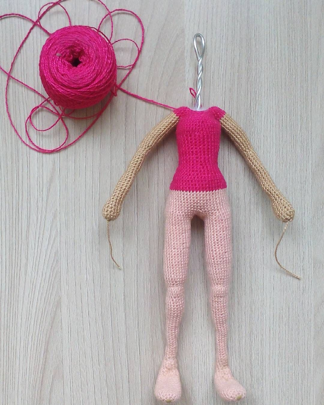 Pin de Natalka en Вязаные куколки   Pinterest   Muñecas, Ganchillo y ...