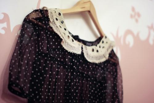 polka dots and peter pan collar