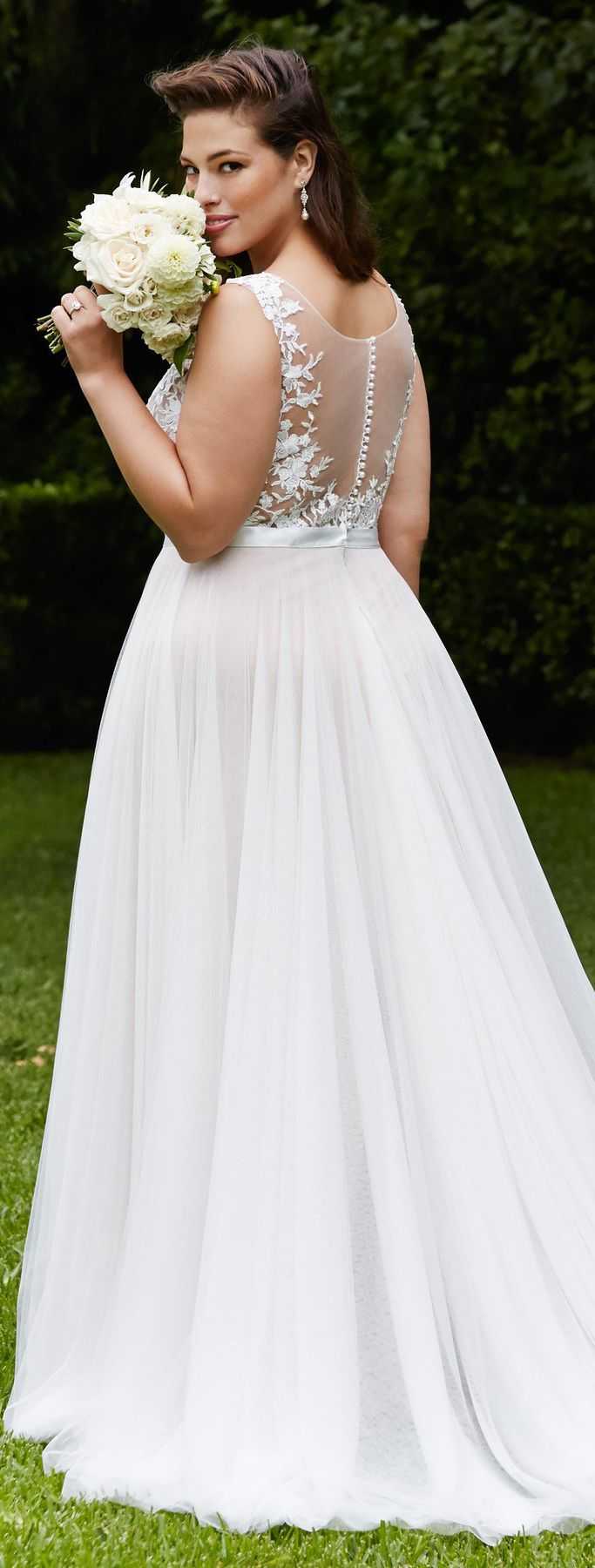 1ebd4965c79e 20 Lovely (and Affordable!) Wedding Dresses For Ladies With Curves
