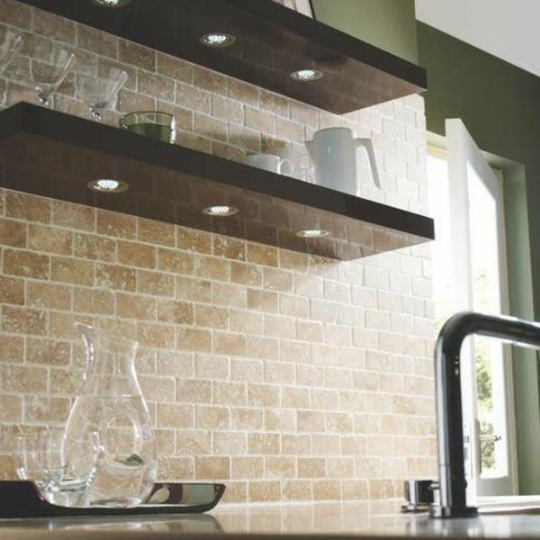 wandfliesen k che die r ckwand spielt eine wichtige rolle k che fliesen k che und fliesen. Black Bedroom Furniture Sets. Home Design Ideas