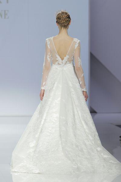 c9c01d827 50 vestidos de novia con escote a la espalda 2017: ¡los querrás ...