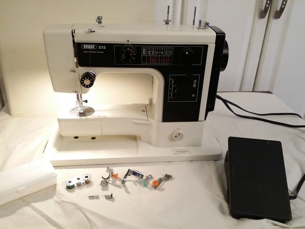 Pfaff 40 Sewing Machine Plus Hard Shell Case AVAILABLE ON EBAY Adorable Ebay Pfaff Sewing Machines
