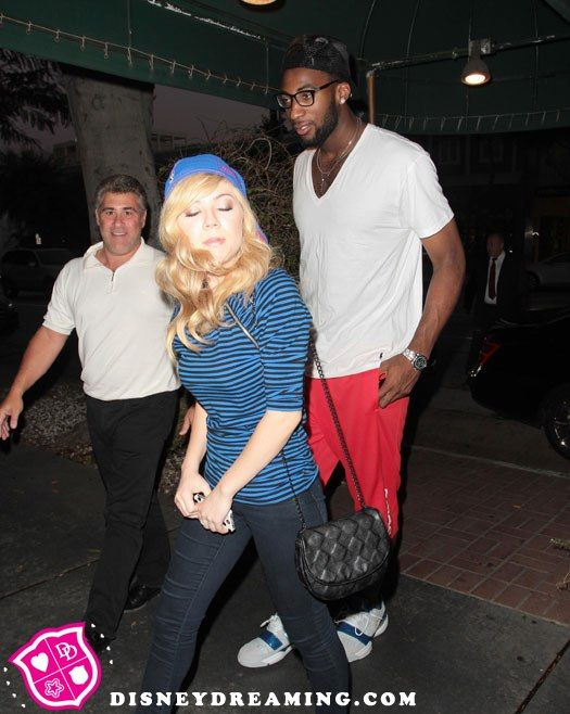 jennette mccurdy and andre drummond kissing