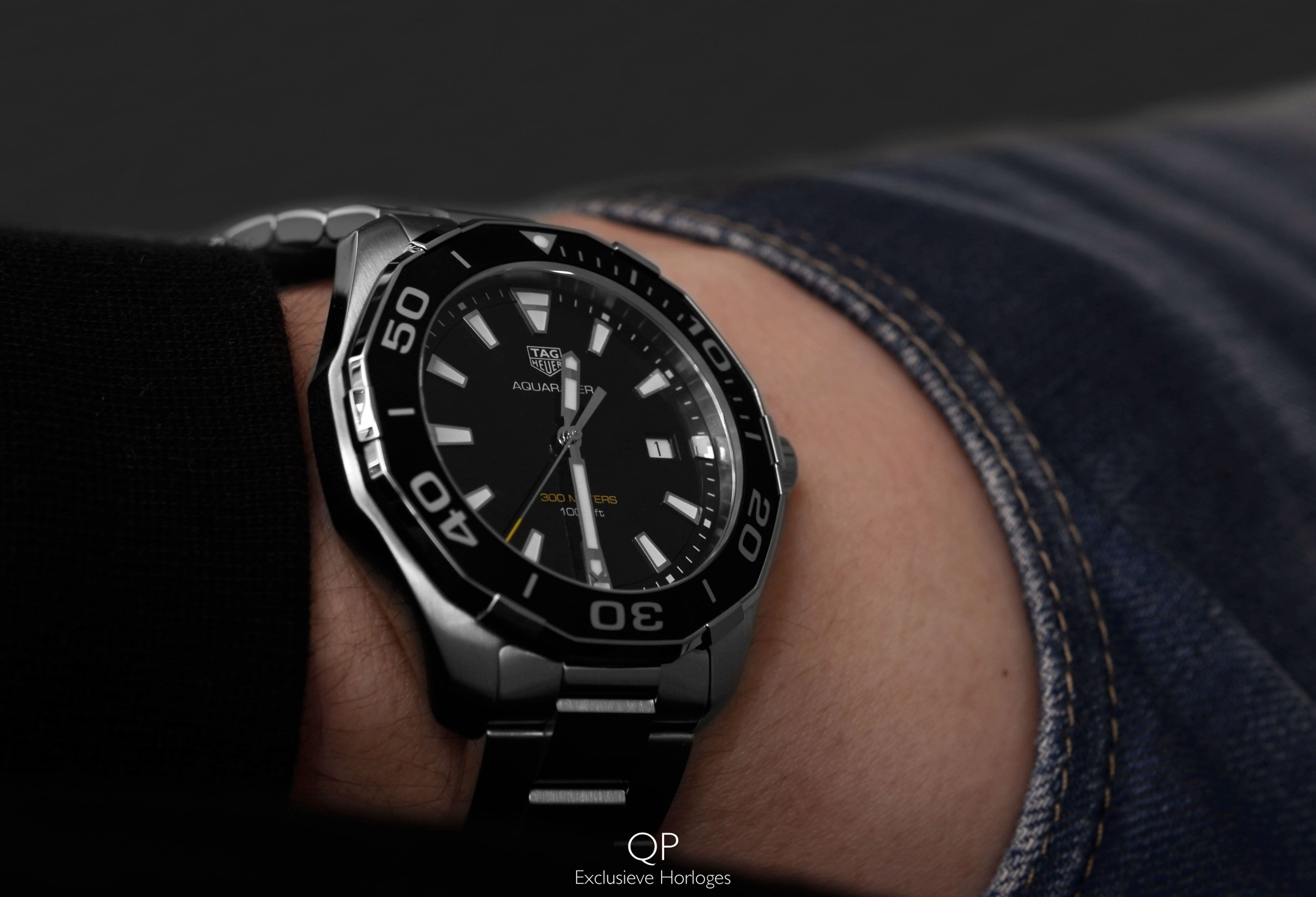 With its all new 43 mm large case diameter and quartz ...