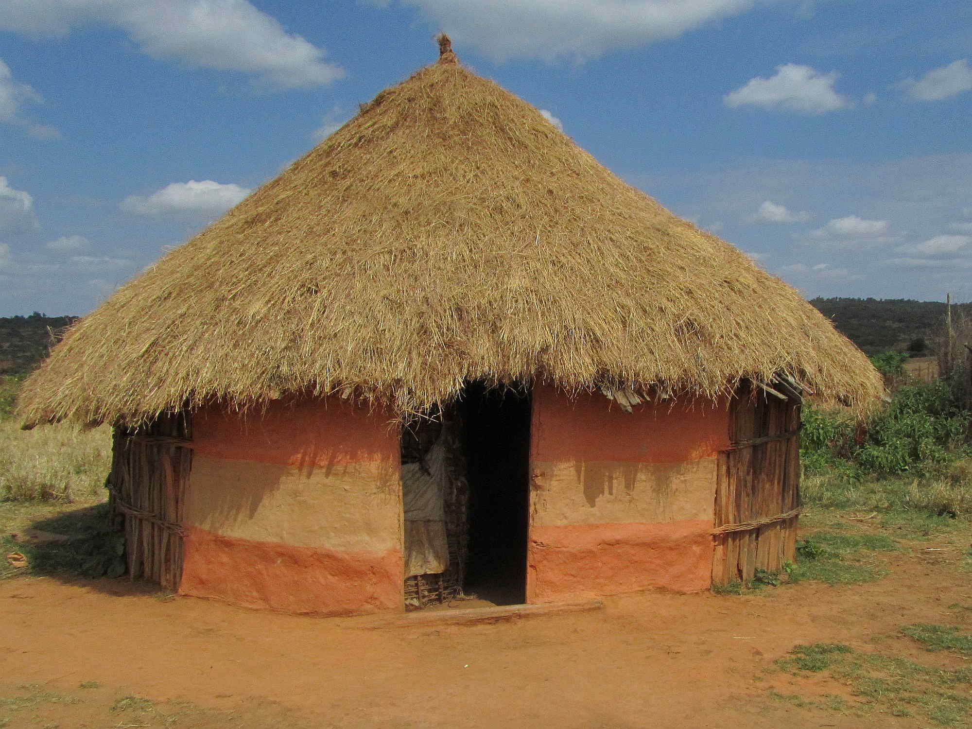 Traditional square hut in ethiopian highlands live it a for Types of houses in kenya