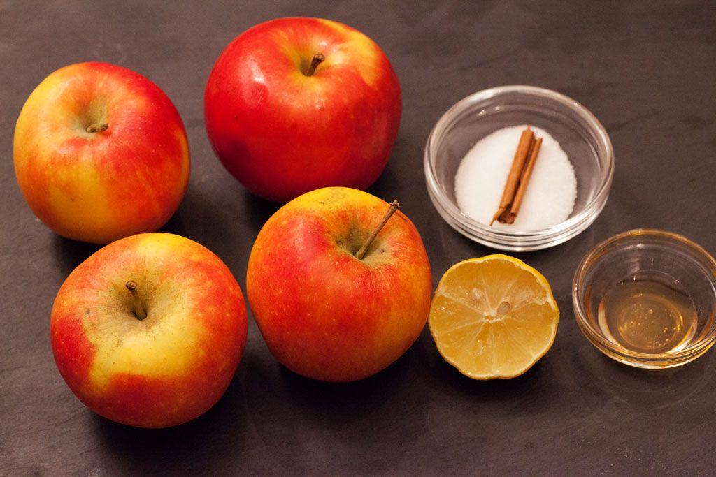Zutaten Fur Selbstgemachten Apfelmus Apfel Honig Zucker Zitronensaft Und Zimtstange Kochrezepte Apfelmus Selbstgemacht Und Kochrezepte
