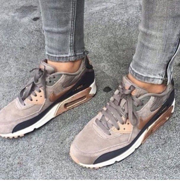 The Nike Air Max 90 Premium Suede Women's Shoe   Sneakers
