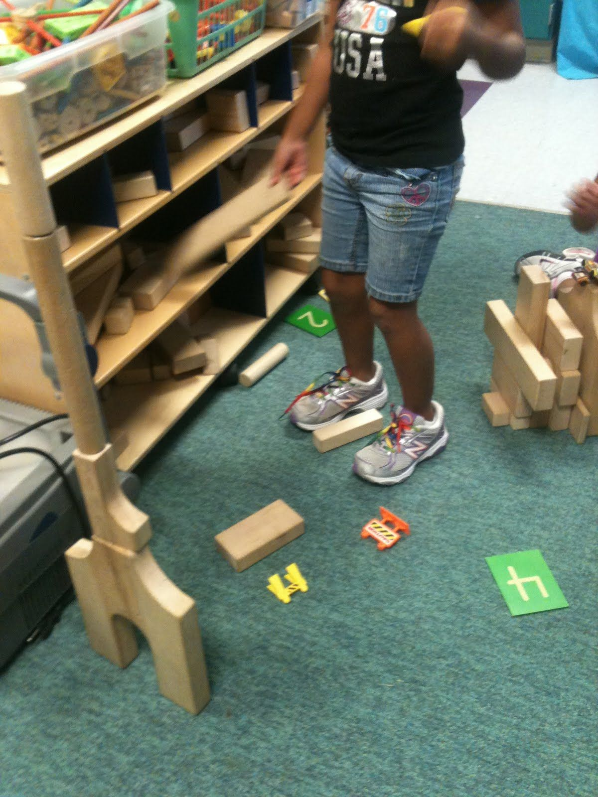 Kinder Garden: Building Block Towers To Match The Number On The Card