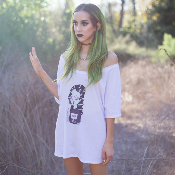 Witch Style 101: Green skin? Out. Green hair? In. Spooky style tips from @linaboogz » http://rdbl.co/1M4YLUS