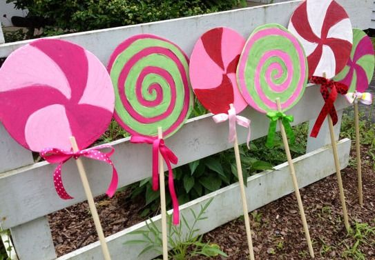 Yard Candy Designs: Candy Lollipops Outdoor Yard Art / Lawn Decoration