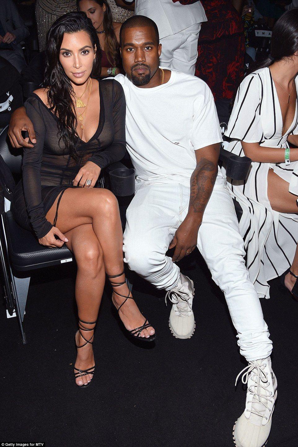 Hacks uk elle off kim kardashians thighs photos