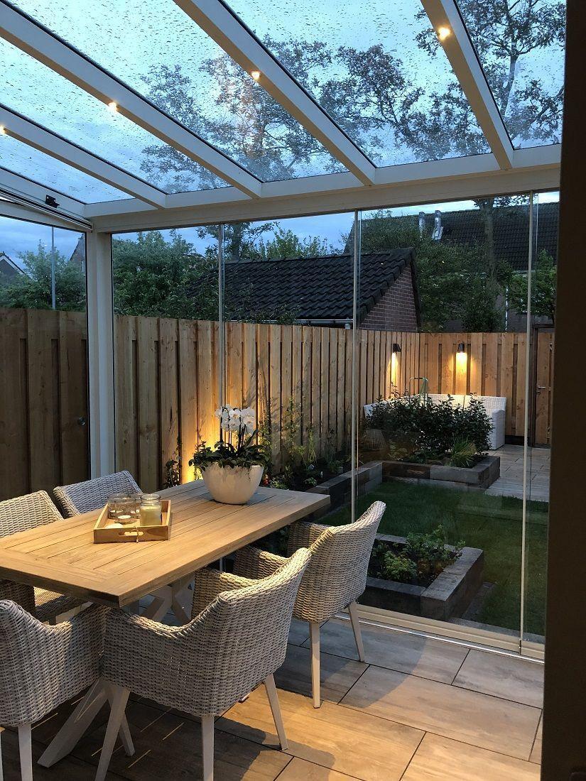 Mit Einem Wintergarten Aus Glas Konnen Sie Problemlos Nach Draussen Gelangen In 2020 Wintergarten Wintergarten Holz Terassenideen