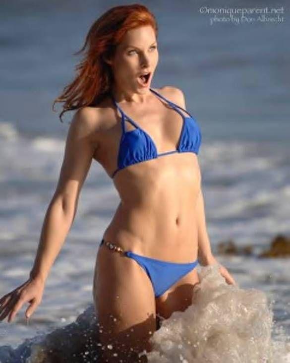 bikini Monique parent