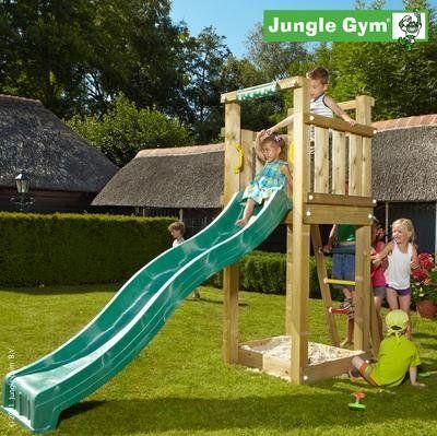 Modelliertes Spielgelande Mit Rutsche Garten Hugel Garten Rutsche Garten