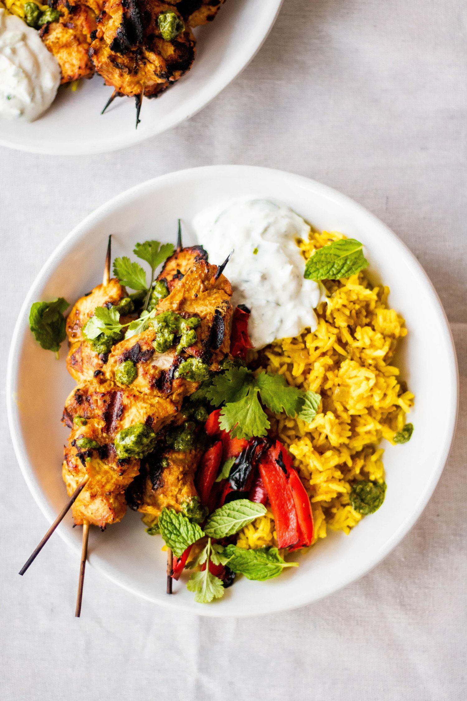 Tandoori Chicken Bowls with Cumin-Turmeric Rice and Spicy Cilantro Chutney #tandoorichicken
