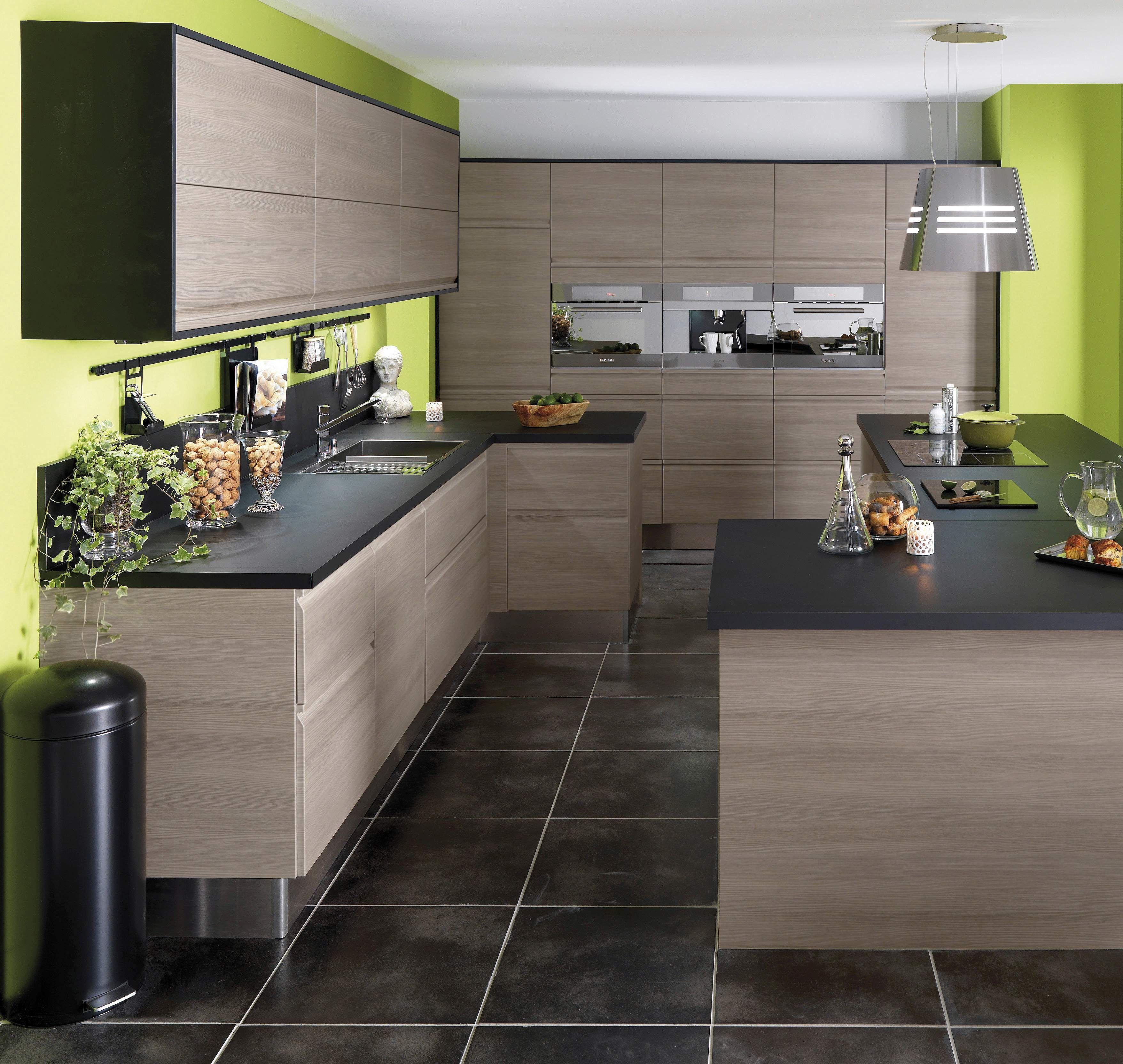 cuisine urban bois flott la cuisine urban combine la modernit des lignes et les mat riaux. Black Bedroom Furniture Sets. Home Design Ideas