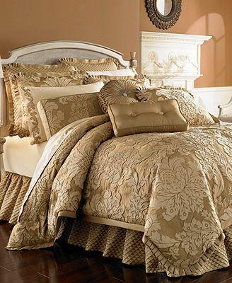 Pin By Lisa Evans On Postelnoe Bele Gold Comforter Set Luxury