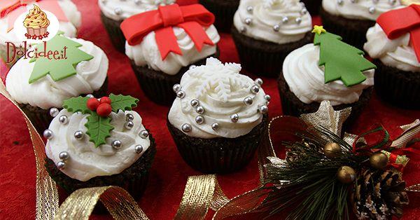 Cupcake natalizi al cioccolato e crema al burro