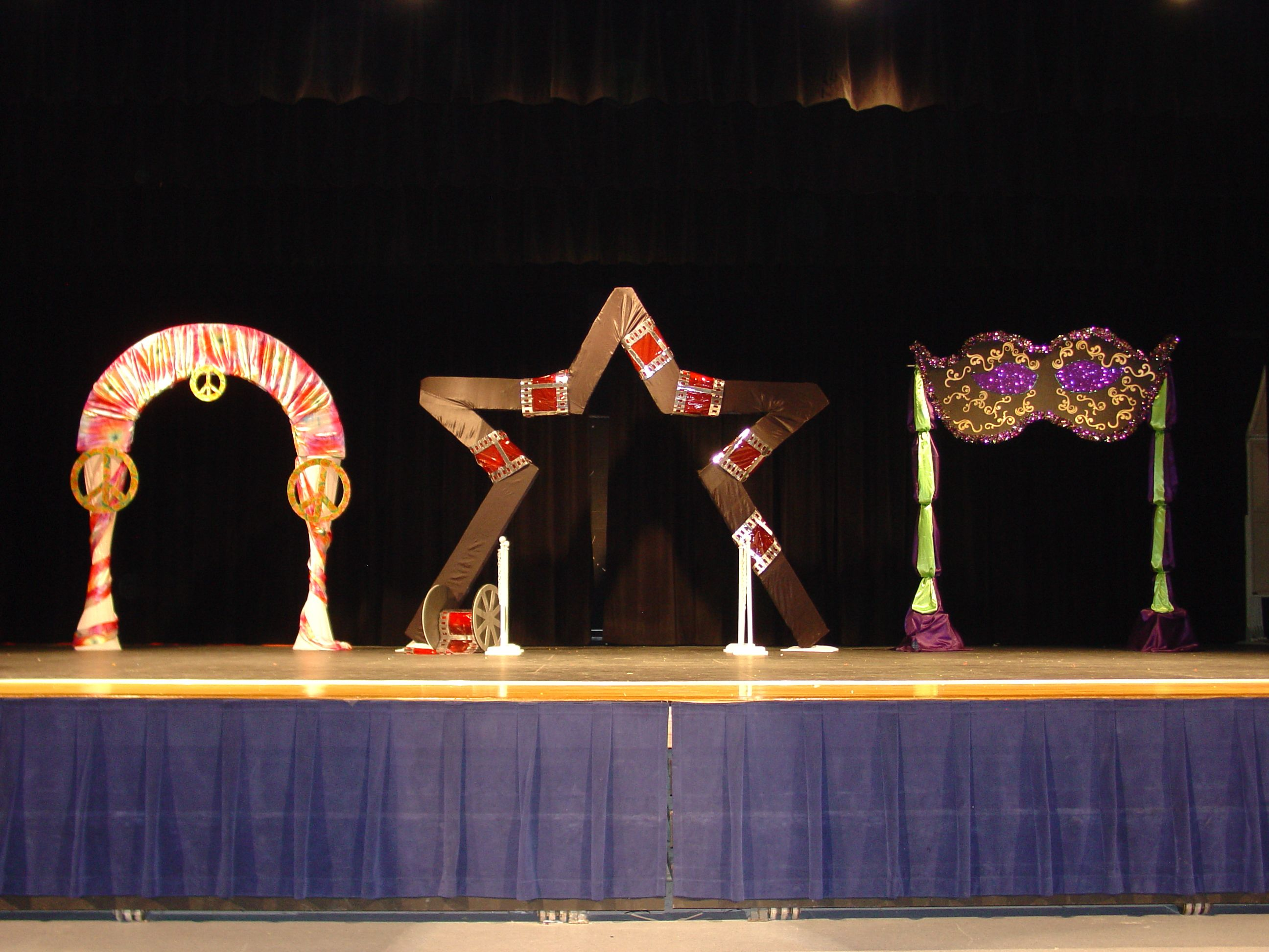 Prom Fashion Show Stage 70 S Theme Hollywood Theme