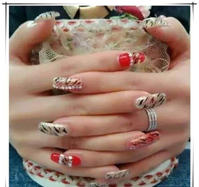 Nail Art Zebra Stripes