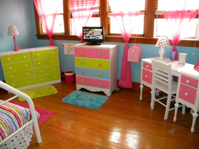 MOON Panoramic View Of The Room With Furniture For Princess Little Girl  Room Lime Green, Blue, Hot Pink