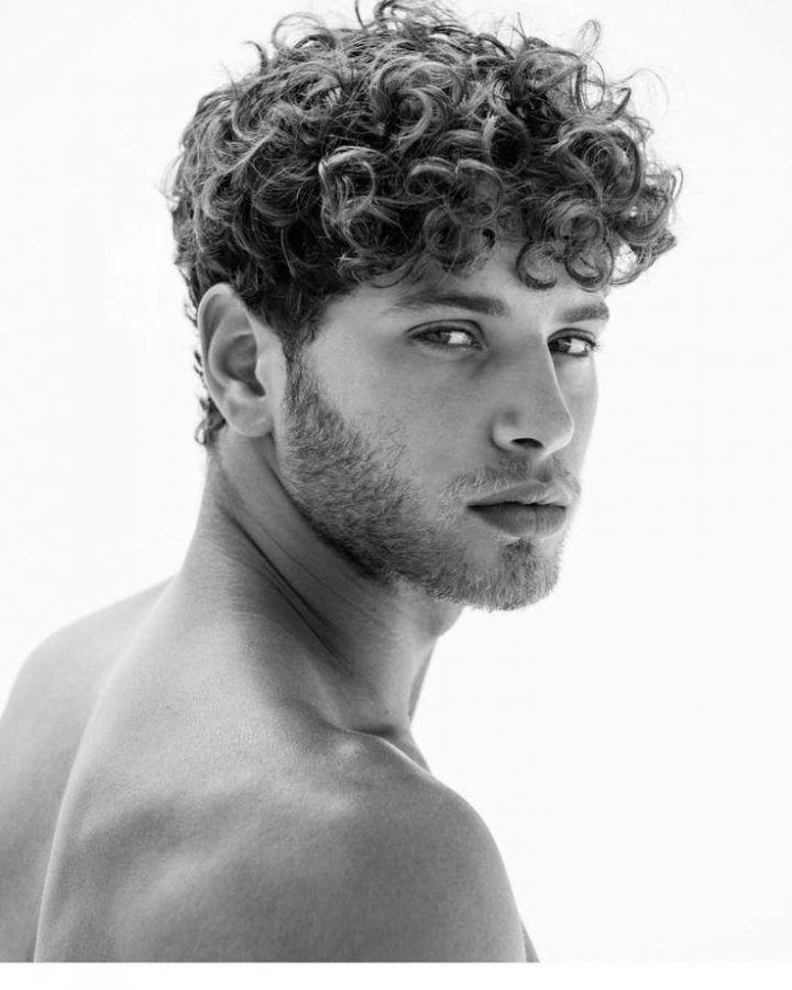 Short Curly Hairstyles For Men Kalin Saclar Orta Uzunlukta Sac