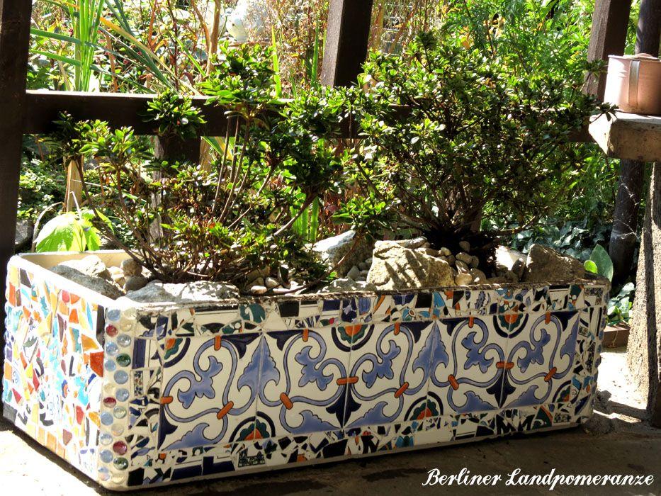 DIY mediterranes Blumenkübel-Mosaik DIY Mediterranean flower pot - gartenaccessoires selber machen