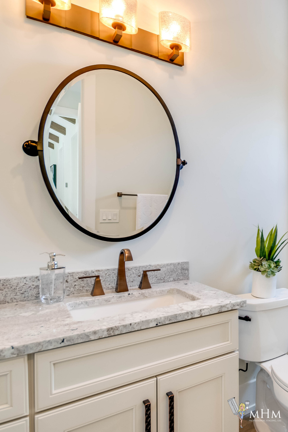 #beautifulhomes #homeinspo #dreamhome #homelove #homestaging #staginghomes #luxurystaging #luxuryhomes #luxurylistings #stagingandstyling #homedesign #homegoals