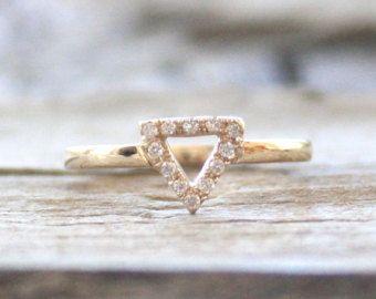 Anillo de diamante triángulo en 14K oro amarillo
