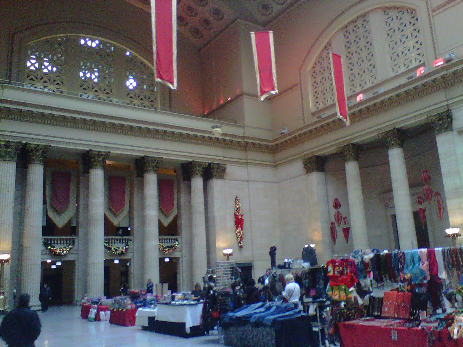 chicago amtrak train station decorated for christmas - Chicago Christmas Station