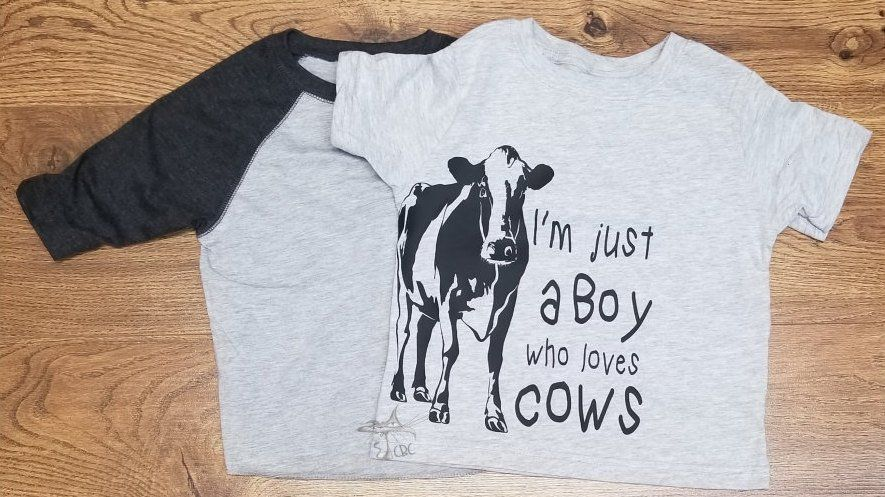 tee Womens Just a Woman who Loves Cows Unisex Sweatshirt